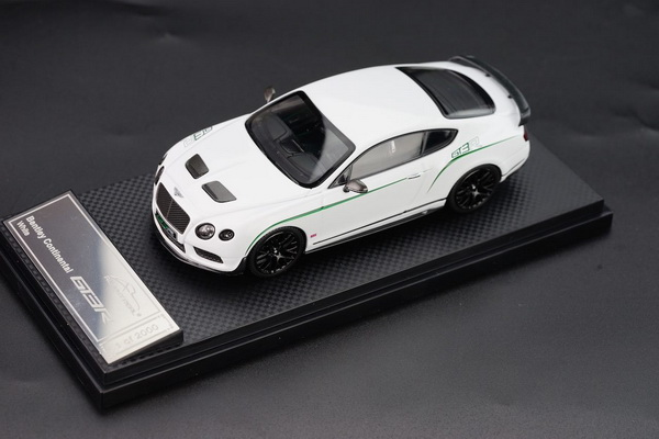 Модель 1:43 Bentley Continenal GT3-R - white