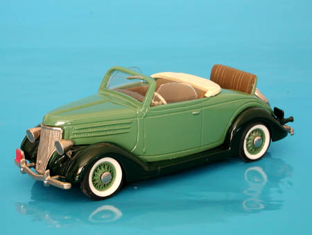 Модель 1:43 Ford-USA ~48~ Convertible Open Dickle