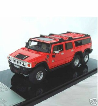 Модель 1:43 Hummer H6 Three axle type