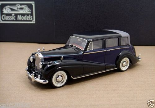 Модель 1:43 Rolls-Royce Silver Wraith Landaulette close - black/blue/black