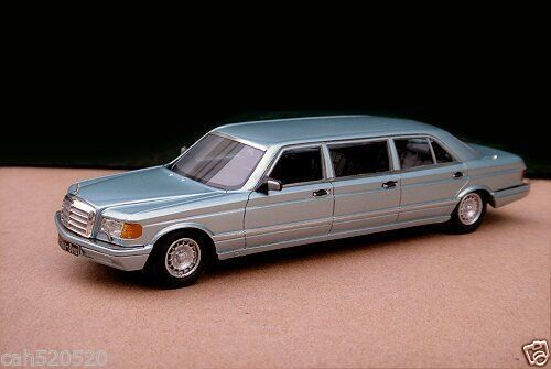 Модель 1:43 Mercedes-Benz 560 SEL 6-door Stretch Limousine - silver
