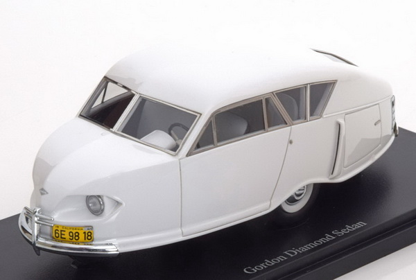 Модель 1:43 Gordon Diamond Sedan 1949 - white