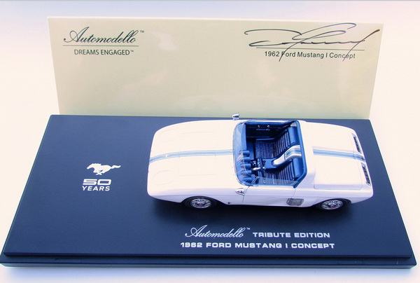 Модель 1:43 Ford Mustang I Concept Press Car Hand-Signed by Daniel Sexton Gurney