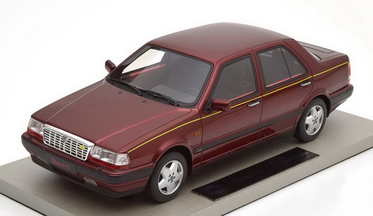 Модель 1:18 Lancia Thema 8.32 Serie 2 - dark red