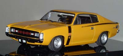 Модель 1:43 Chrysler VH Charger R/T E49 HOT MUSTARD