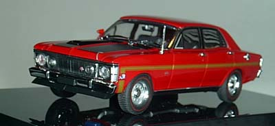 Модель 1:43 Ford XW Falcon GTHO - candy apple red