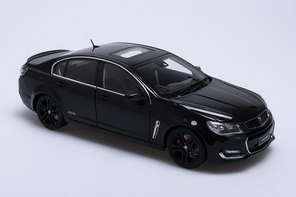 Модель 1:18 Holden VFII Commodore SS-V REDLINE - black