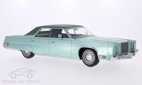 Модель 1:18 Chrysler Imperial Le Baron 4-door Sedan