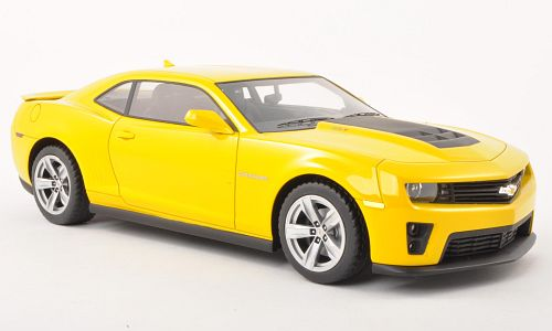 Модель 1:18 Chevrolet Camaro ZL1 - yellow [смола; без открывающихся элементов]