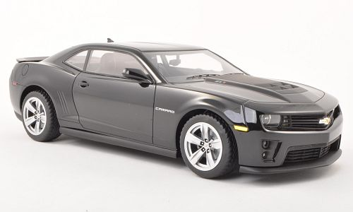 Модель 1:18 Chevrolet Camaro ZL1 - black [смола; без открывающихся элементов]
