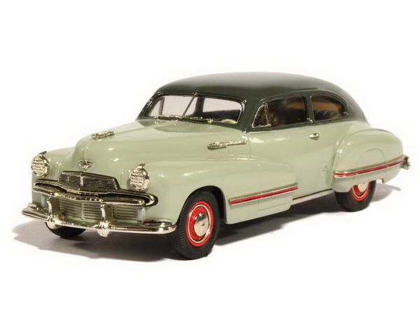 Модель 1:43 Oldsmobile 98 B-44 Custom 8 Cruiser - river mist gray/dusty gray
