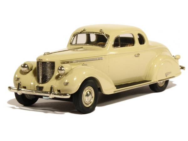 Модель 1:43 Chrysler Imperial Eight C-19 Coupe - beige