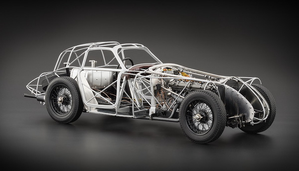 Модель 1:18 Alfa Romeo 8C 2900B Speciale Touring Coupe - Rolling Chassis