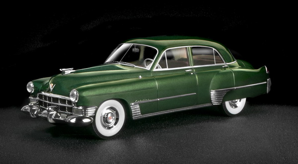 Модель 1:18 Cadillac Series 62 Touring Sedan - Green 1949