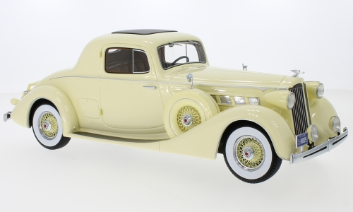 Модель 1:18 Packard Super Eight Coupe - light yellow 1936