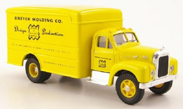 Модель 1:50 Mack B Koffer-LKW «Breyer Molding Co.»