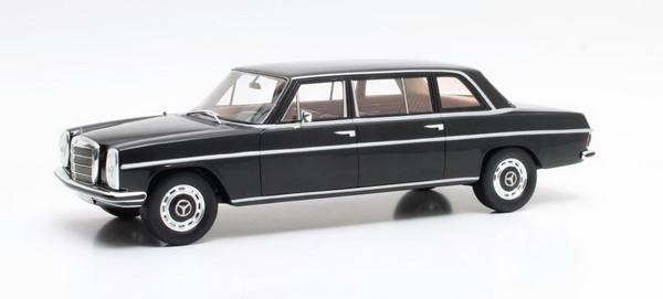 Модель 1:18 Mercedes-Benz 230 Lang (V114) 1970 Black