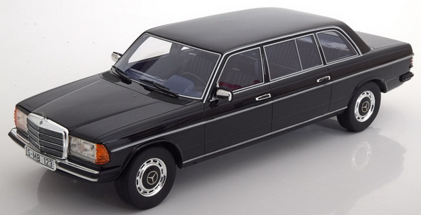 Модель 1:18 Mercedes-Benz 250 V123 1983 Black