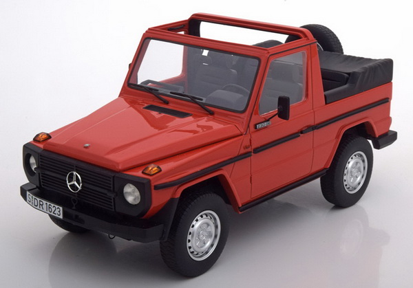 Модель 1:18 Mercedes-Benz G-Class W460 Cabrio 1979 - Red
