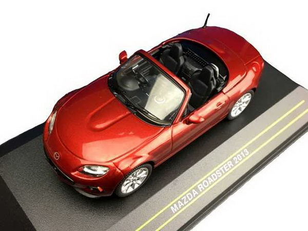 Модель 1:43 Mazda MX-5 Roadster - Red RHD 2013