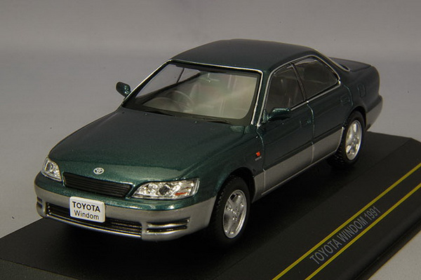 Модель 1:43 TOYOTA WINDOM 1991 - Green/silver