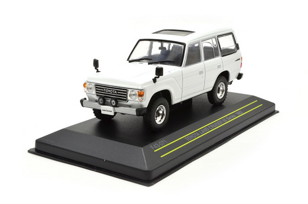 Модель 1:43 Toyota Land Cruiser - white
