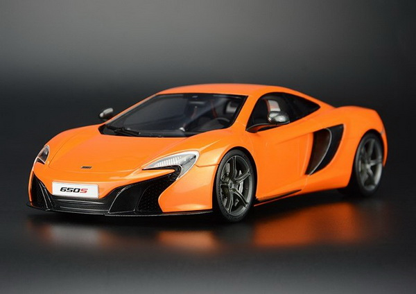 Модель 1:18 McLaren 650S Coupe - Orange