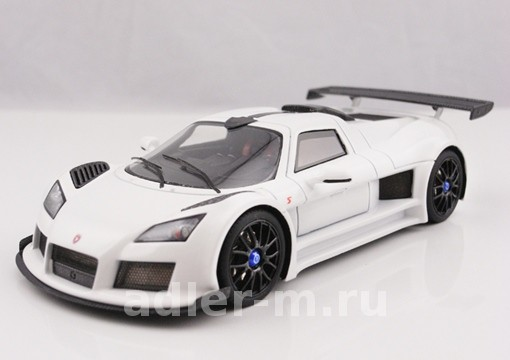 Модель 1:43 Gumpert Apollo - white