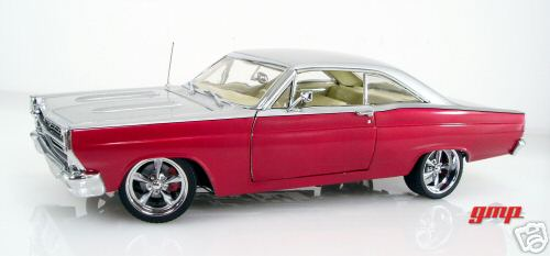 Модель 1:18 Ford Fairlane Restomod - red silver