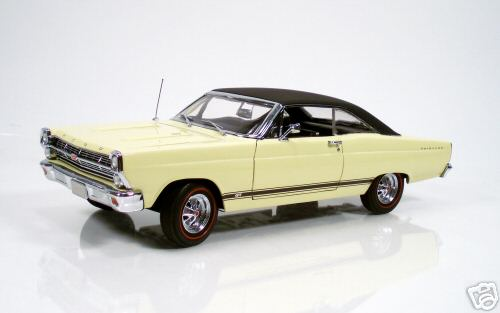 Модель 1:18 Ford Fairlane GT - yellow/black