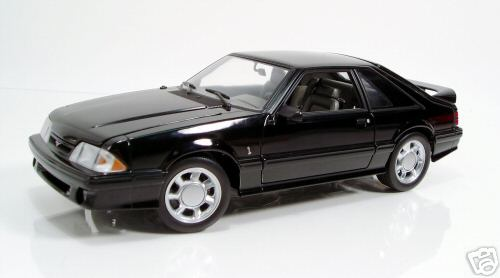 Модель 1:18 Ford Mustang Cobra SVT - black