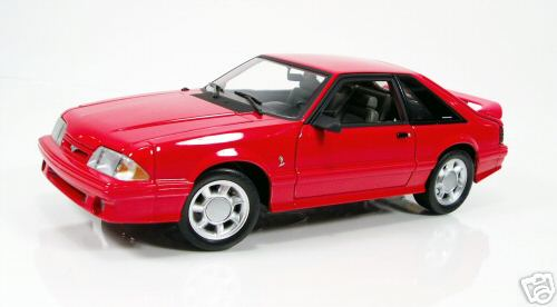 Модель 1:18 Ford Mustang Cobra SVT - red