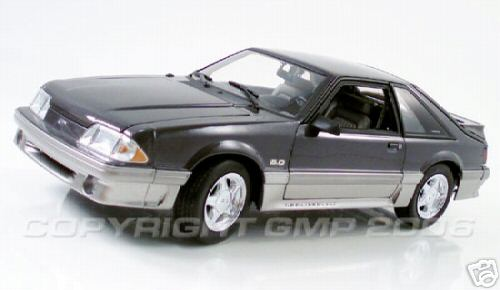 Модель 1:18 Ford Mustang 5.0 GT - medium titanium met