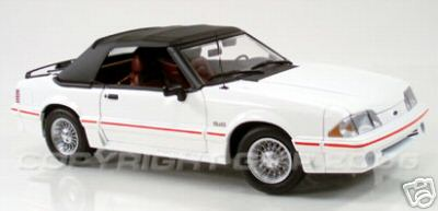 Модель 1:18 Ford GT Convertible OXFord WHITE WITH BLACK