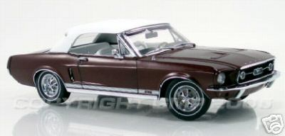 Модель 1:24 Mustang Convertible in Burgundy