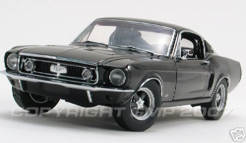 Модель 1:24 Mustang GT Street Machine - black