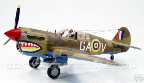 Модель 1:35 Flight Officer Neville Duke`s P-40