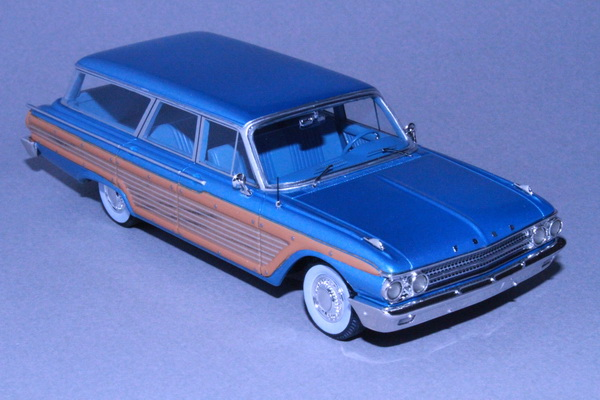 Модель 1:43 Ford Country Squire - blue met (L.E.150pcs)