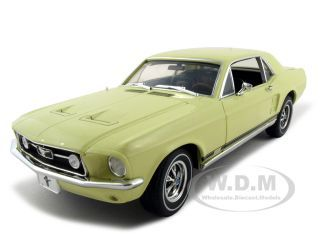 Модель 1:18 Ford Mustang GT Diecast Car - yellow