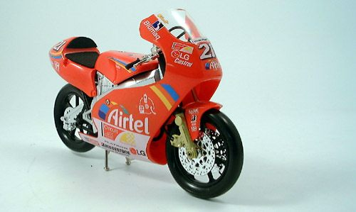 Модель 1:10 Aprillia RS 125 №21 «Imola Circuit Exalt Cycle Race» MotoGP (Arnaud Vincent)
