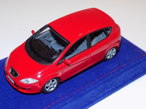 Модель 1:43 Seat Altea 2004 - Red