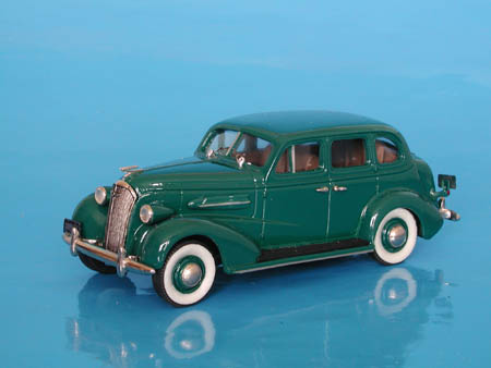 Модель 1:43 Chevrolet Master de Luxe 4-door sport sedan