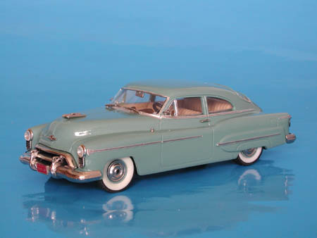 Модель 1:43 Oldsmobile Futuramic 98 2-door Club Sedan