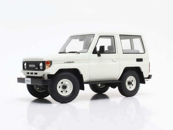 Модель 1:18 TOYOTA Landcruiser BJ70 1984 White