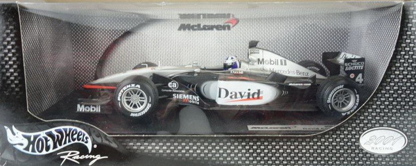 Модель 1:18 McLaren Mercedes MP4-16 2001 Coulthard