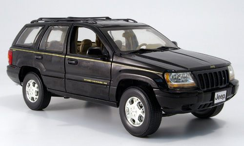 Модель 1:18 Jeep Grand Cherokee - black
