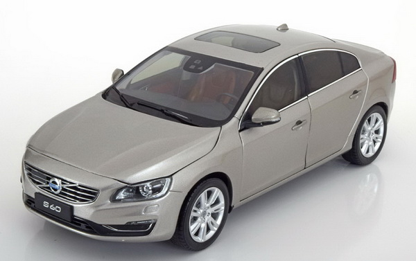 Модель 1:18 Volvo S60 2015 - light grey