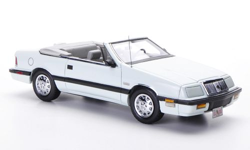 Модель 1:43 Chrysler Le Baron Convertible - white (L.E.500pcs for ModelCarWorld)