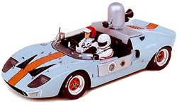 Модель 1:43 Ford GT40 Gulf Travelling car Le Mans 1camera capot arriere 2 personnages KIT