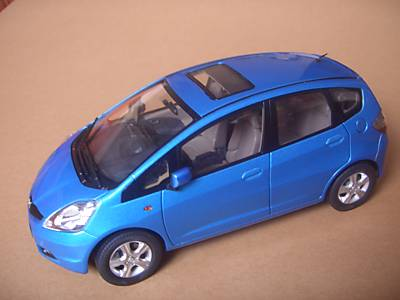 Модель 1:18 Honda Fit / light blue